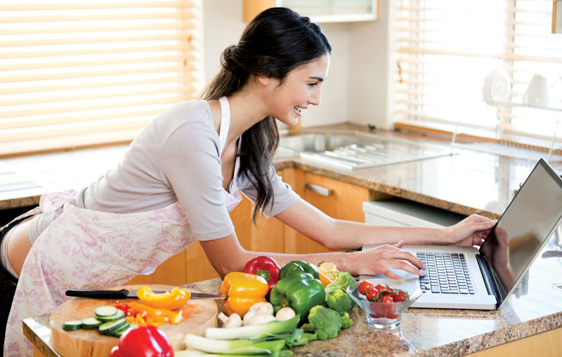 woman-w-computer-and-vegies